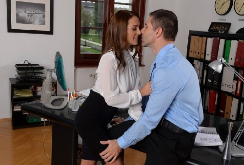 PixAndVideo.com – Dominica Fox – Office Hours [SD 540p] »