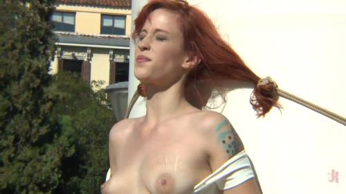 Sandra Romain, Steve Holmes and Lilyan Red – Redheaded slut beautifully disgraced on streets of Madrid / 36938 (01.12.2015/PublicDisgrace.com/SD)